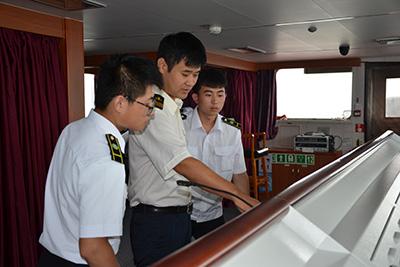 重庆铁路学校高铁乘务专业招生条件高吗